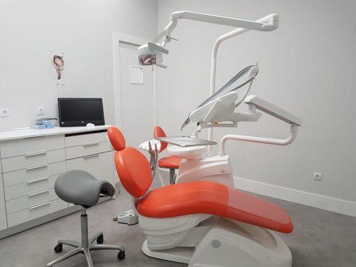 Clínica dental (Zaragoza)